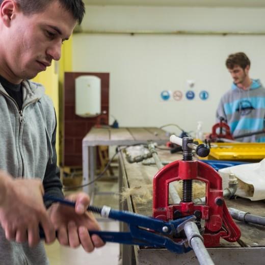 Im von der Kindernothilfe geförderten Traningszentrum in Mitrovica erhielten schon tausende junger Leute eine Ausbildung.